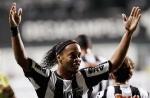 رونالدينيو يصالح كيريتارو بالتأهل لنهائي الدوري المكسيكي